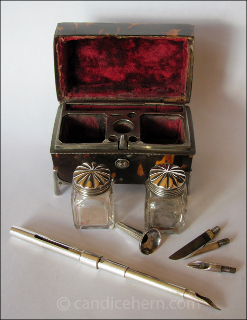 Portable Writing Set Figure 2